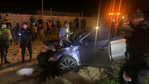 Militar choco su vehículo contra un poste de alumbrado público en la noche del 23 de abril en estado de ebriedad.