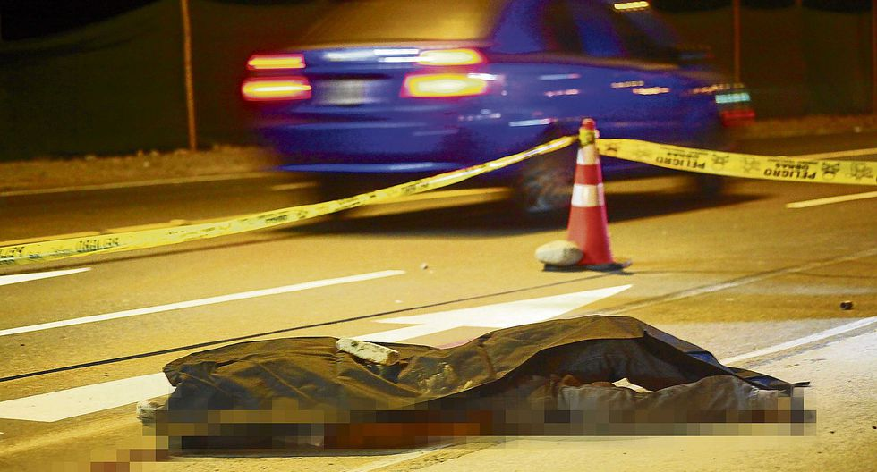 Vehículo se da a la fuga luego de atropellar a peatón  y mujer se quita la vida