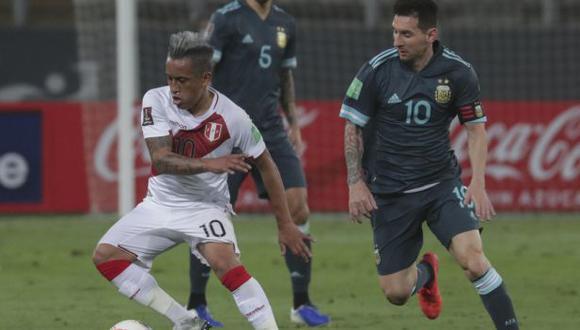 Perú y Argentina chocarán este jueves 14 en el Estadio Monumental. (Foto: AFP)