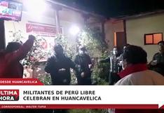 Huancavelica: Celebran militantes de Perú Libre en su local de votación (VIDEO)